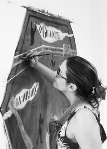 andrea-annuziata-pintando-344x480