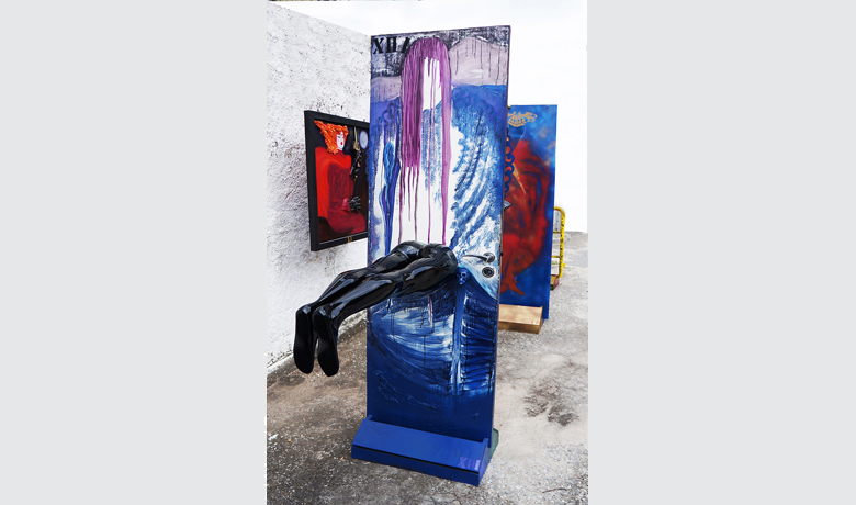 0.72x2.2x2.3m – 2015 - Automotive Paint on FiberGlass and mixed media on wood
